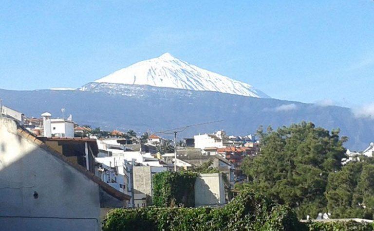 El Teide nevado visto desde Santa Úrsula
